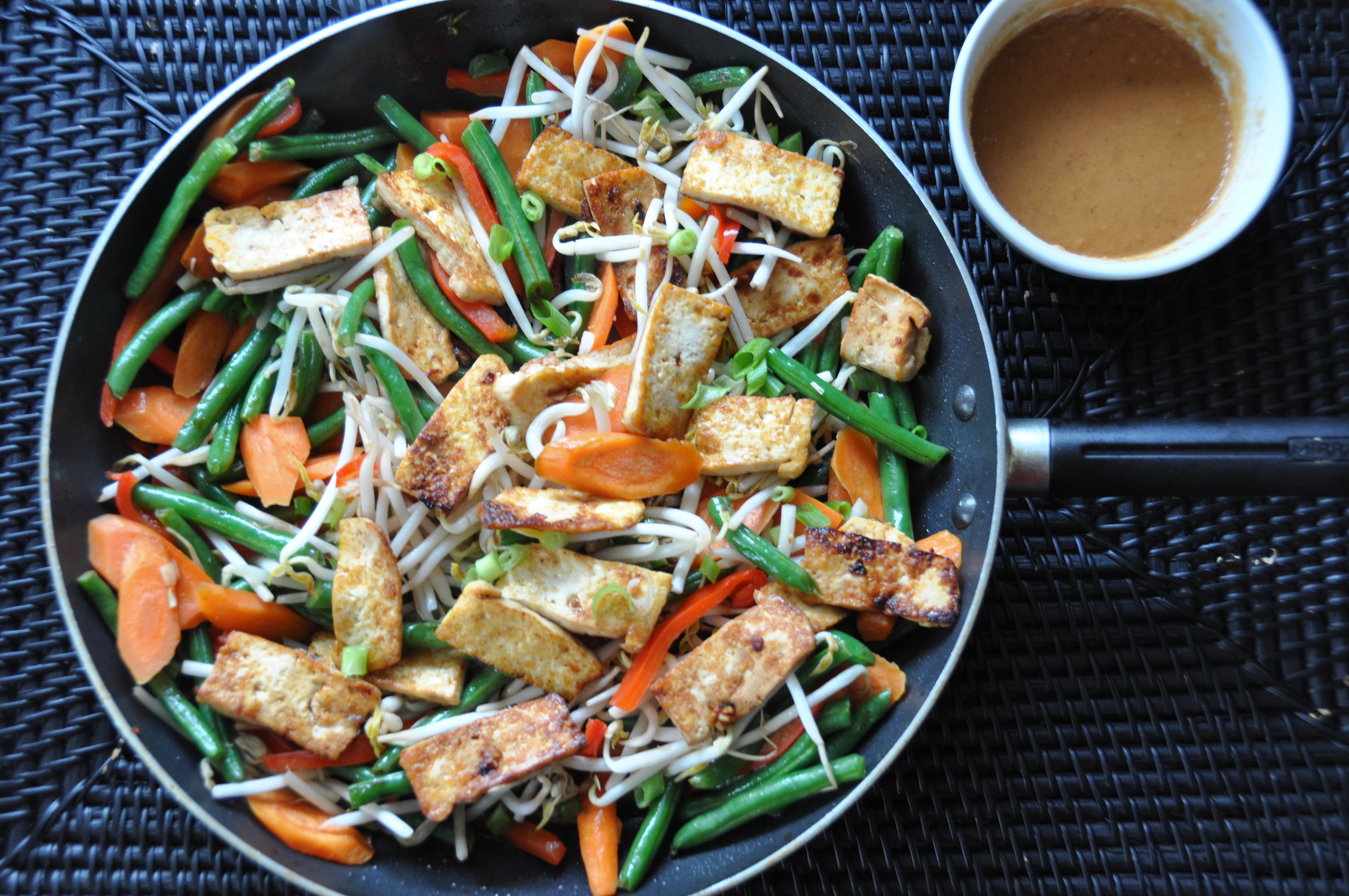Tofu green bean stir fry with peanut sauce nutritious eats tofu and vegetable stir fry forumfinder Image collections
