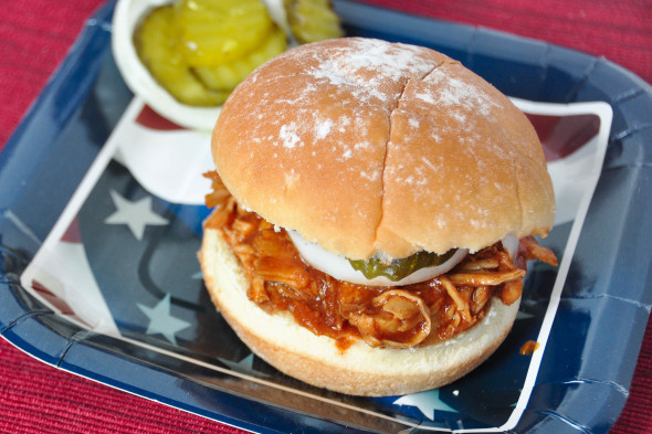 Fourth of July Pulled BBQ Chicken Sandwiches {Slow Cooker ...