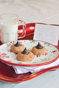 Peanut Butter Kiss Cookies-1
