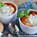 Poached Eggs in Tomato Sauce-1-5