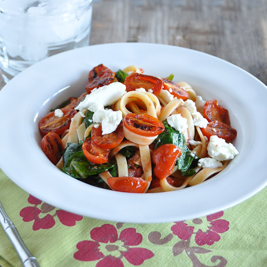 Fettuccine with Tomato, Spinach & Goat Cheese-1-2