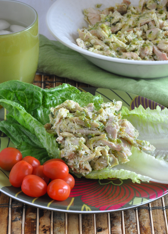 Pesto Chicken Salad | www.nutritiouseats.com