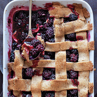 Blackberry Cobbler | www.nutritiouseats.com