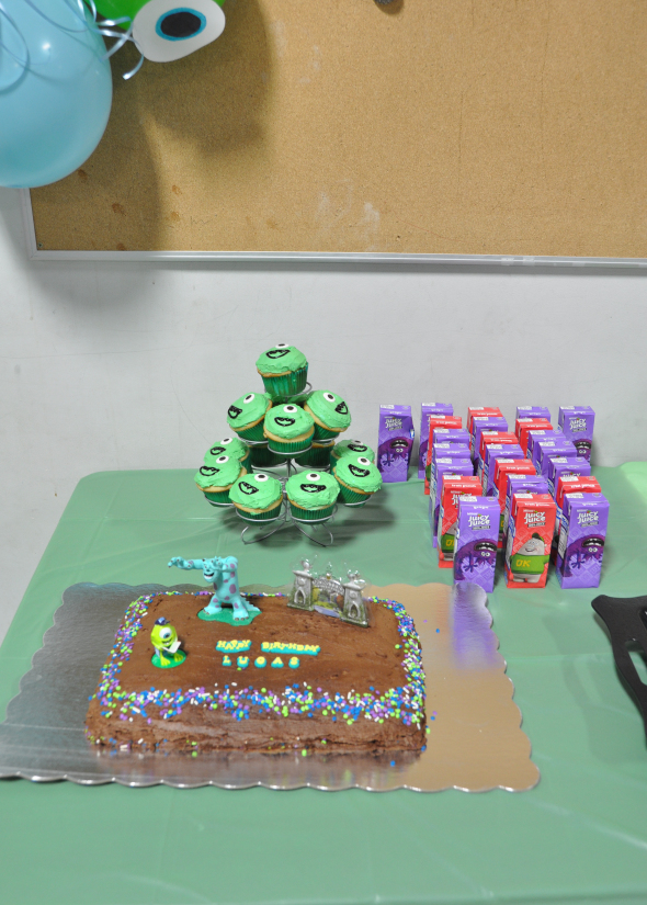 MonstersUniversityParty-2