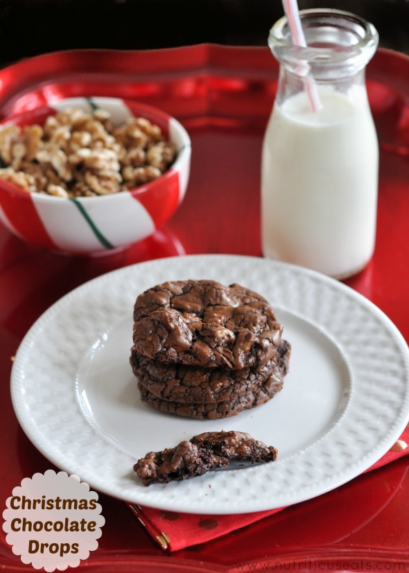 Christmas Chocoalte Drops | www.nutritiouseats.com