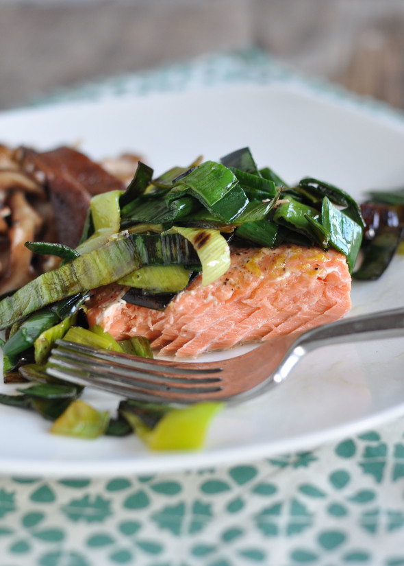 Roasted Salmon with Leeks | www.nutritiouseats.com
