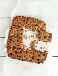 Oatmeal Currant Bars | Nutritious Eats