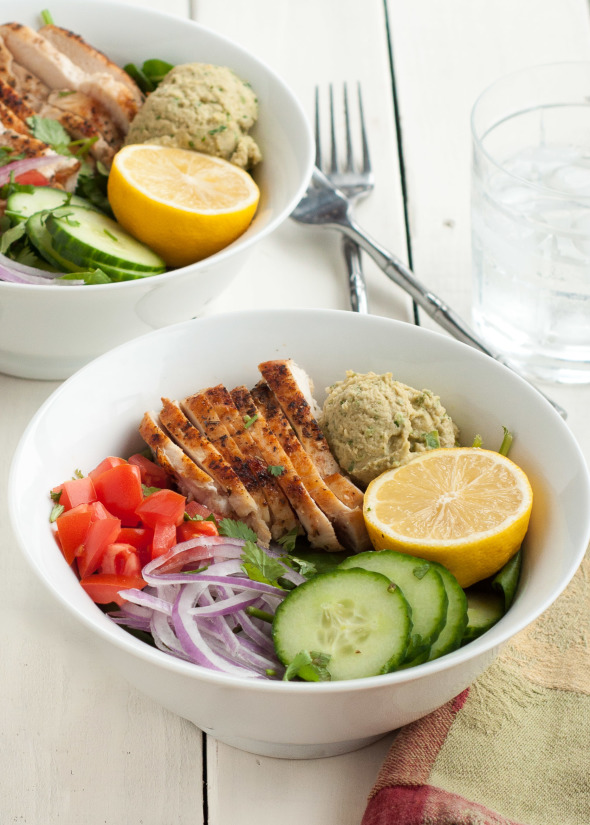 Power Chicken Hummus Bowl {Panera Copycat Recipe}. Gluten Free, High Protein, Low Calorie | www.nutritiouseats.com