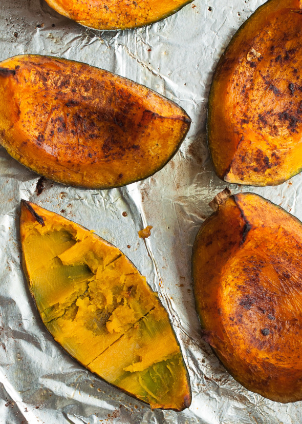 Cooking Basics: Roasted Kabocha Squash with Cinnamon| www.nutritiouseats.com