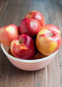 Nutrition Benefits of Apples + Recipes