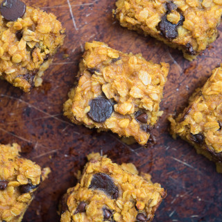 Pumpkin Chocolate Chip Bars #glutenfree | www.nutritiouseats.com