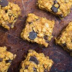 Pumpkin Chocolate Chip Oatmeal Bars- super simple, one-bowl, gluten-free bars that make a great breakfast or snack | Nutritious Eats