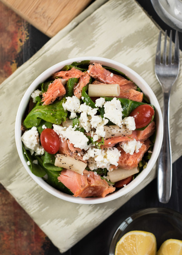 Smoked Salmon Salad- a delicious and easy lunch or light dinner #glutenfree | Nutritious Eats