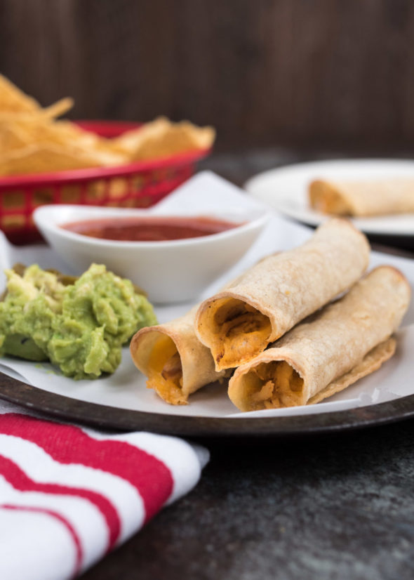 Baked Chicken Flautas- gluten free, low fat and easy to make! | www.nutritiouseats.com