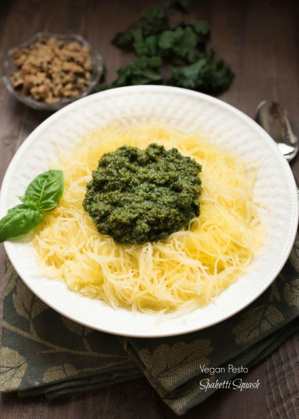 Vegan Pesto Spaghetti Squash- pesto is ready in less than 5 minutes! Pairs perfectly with a spaghetti squash for a nutritious side. | www.nutritiouseats.com